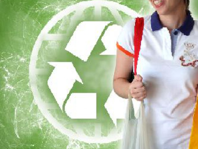 Sacola biodegradável a ser lançada no Brasil se decompõe em até 3 meses